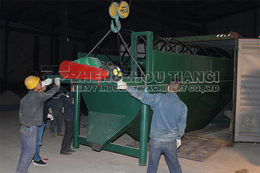 Kenyan Organic Fertilizer Production Equipment Containers Loading Site in Zhengzhou Tianci Fertilizer Manchine Plant